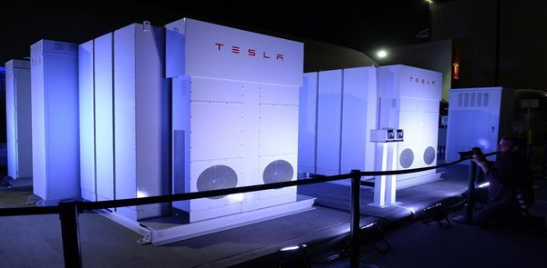 Tesla Powerpack deal with AMS utility-scale projects